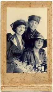 Mrs Paterson with Constance and mother